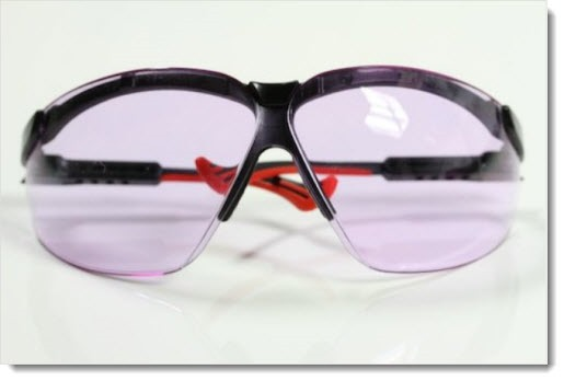 Oxy-Iso glasses cure color blindness